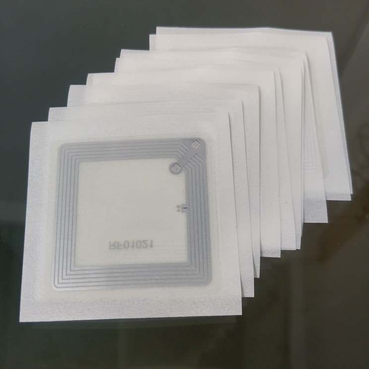 Transparent square clear nfc sticker ntag213 chip 4040 mm nfc tagify